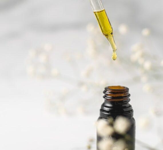 Le traitement de la douleur, l'anxiété avec une huile qui fait du bien